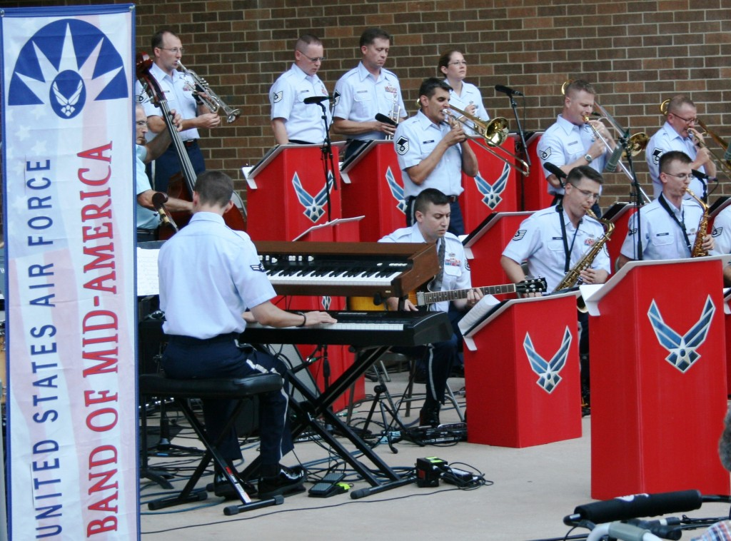 pic - USAF Shades of Blue Jazz Band (4381)