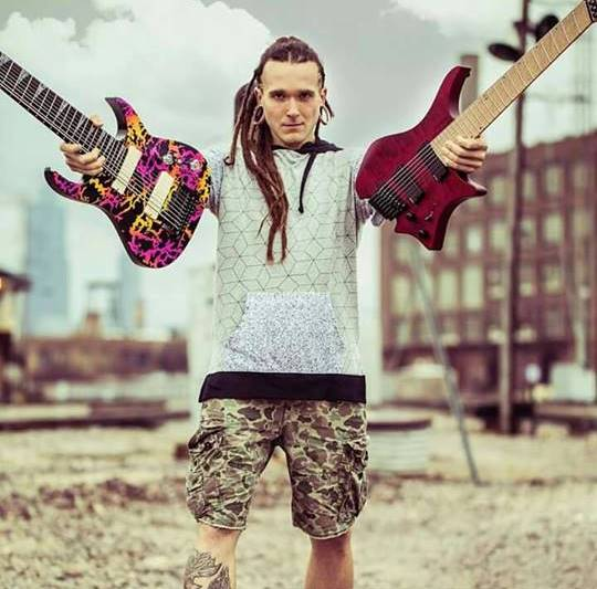 David - 2 guitars